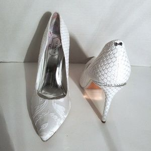 Ted Baker White & Silver Fabric Printed Pumps